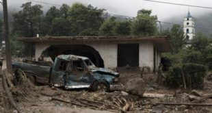 39 killed by mudslides in Mexico, Javier aims for Baja