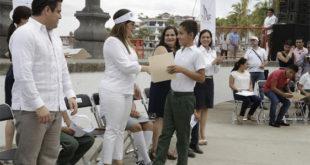 299 vulnerable children in Puerto Vallarta receive scholarships