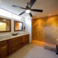 large_Hacienda Los Mangos Spare Bathroom