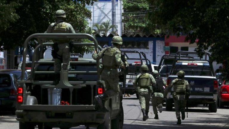 Mexico: Acapulco police disarmed, placed under investigationv
