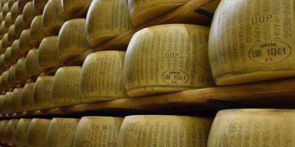 Milking it for politics? U.S., Canada dig in on dairy in NAFTA talks
