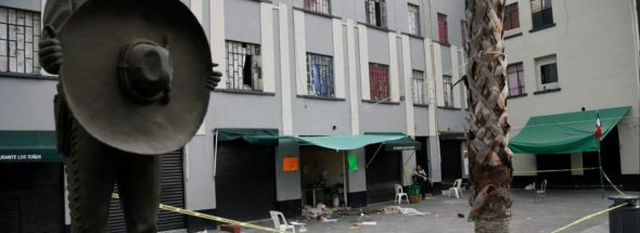 Phony mariachis open fire in Mexico City plaza, killing five people
