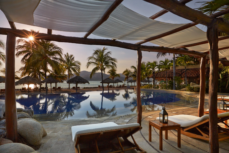 Thompson to Open New Zihuatanejo Hotel