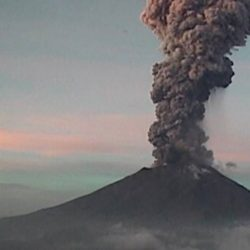 Popocatépetl Volcano awakens with strong explosion