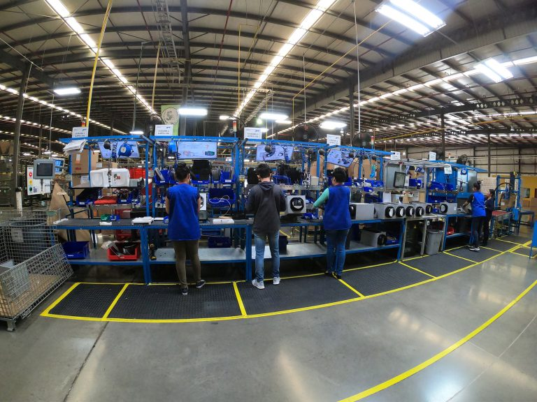 Mexican manufacturing shrinks for third straight month to