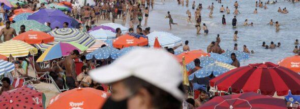 Rio de Janeiro closes beaches as pandemic worsens